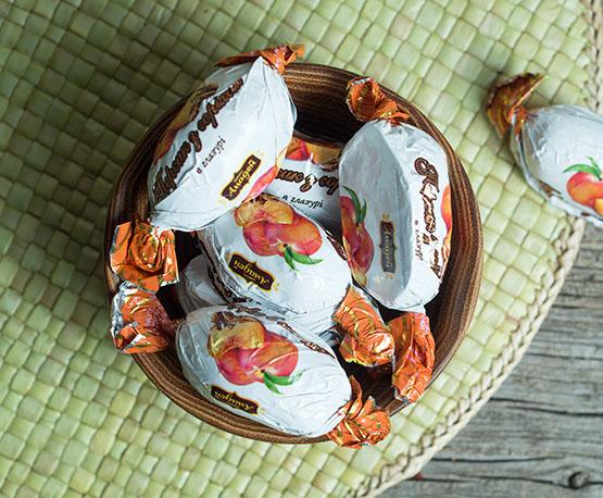 Конфеты «Персик с орехом»